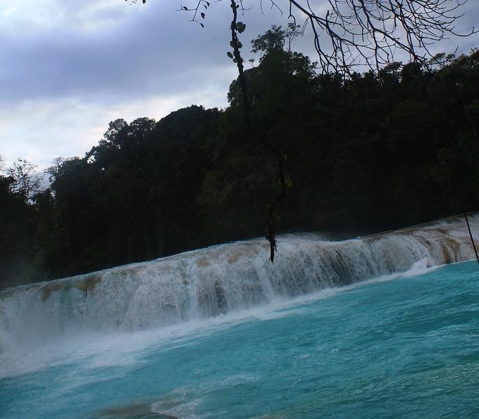 Cascada de Agua Azul. Fotografía de Karolina Caicedo Flórez.